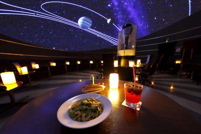 プラネタリウムとカフェの融合! 「プラネタリウム スターリーカフェ」
