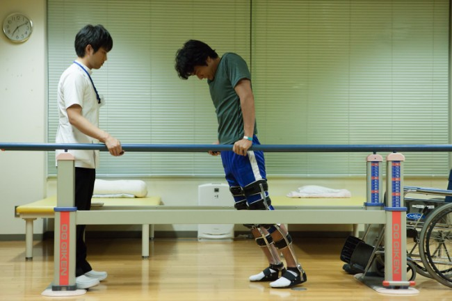理学療法士の仕事とは?映画『栞』の榊原有佑監督が、高校生に伝えたいこと