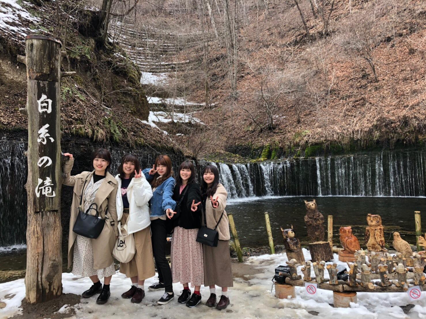 東京から新幹線で約60分の軽井沢は、卒業旅行にも人気