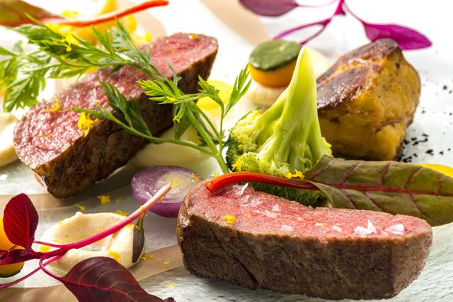 生理痛の緩和には赤身の肉や魚が効果的