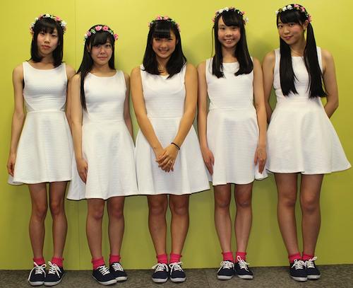 左から、高橋乃愛さん(中2)、四宮 京さん(高2)、白井優衣さん(高2)、金澤希美さん(高1)、姫川れおなさん(高3)