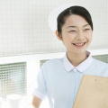 女子に人気NO.1の看護師、夜勤やお給料の実態は?