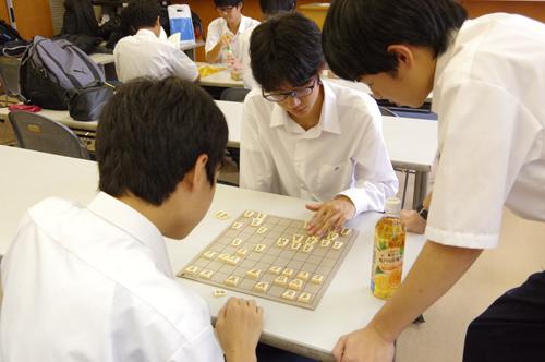 全国大会の常連! 幕張総合高校「将棋部」の強さの秘密に迫る!