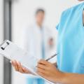 この5年間で1.5倍に。男性看護師が急ピッチで増えている!